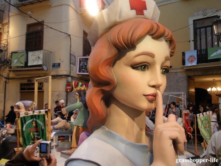 バレンシアの火祭り人形